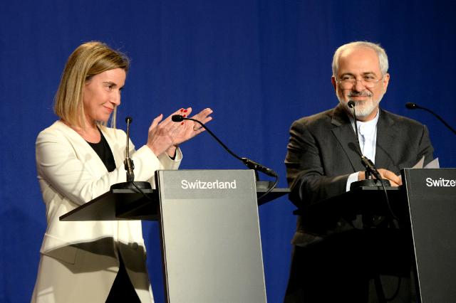 Iranian Foreign Minister Mohammad Javad Zarif, on the right, and Federica Mogherini