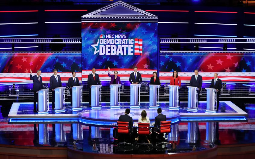 https://www.gettyimages.com/detail/news-photo/democratic-presidential-candidates-new-york-city-mayor-bill-news-photo/1158534182?adppopup=true